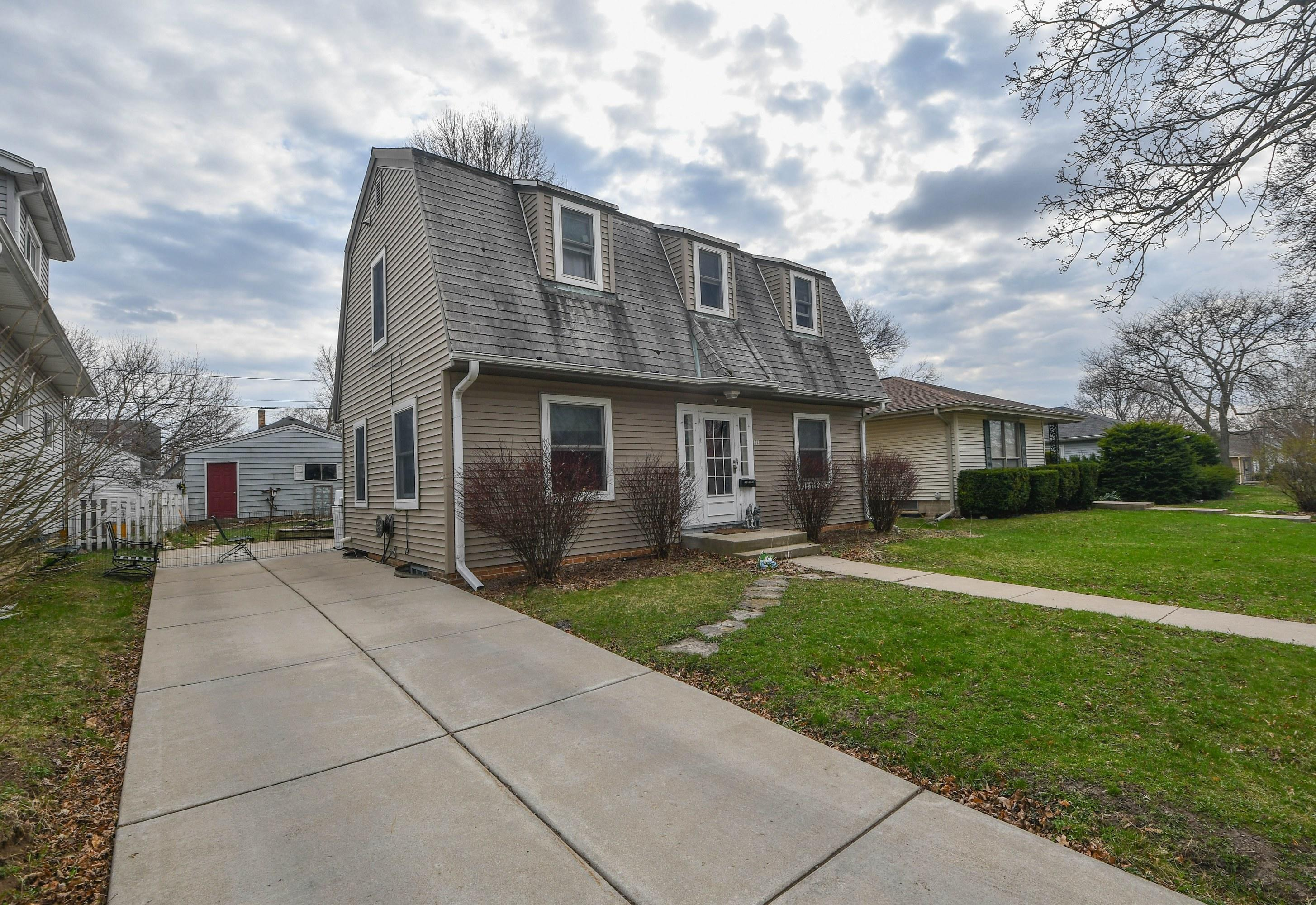 143 Wilson Ave, Waukesha, Wisconsin 53186, 2 Bedrooms Bedrooms, ,1 BathroomBathrooms,Single-Family,For Sale,Wilson Ave,1734639