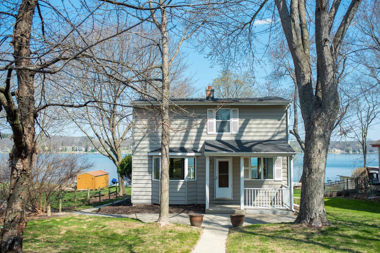 N20W29966 Glen Cove Rd, Delafield, Wisconsin 53072, 2 Bedrooms Bedrooms, ,2 BathroomsBathrooms,Single-Family,For Sale,Glen Cove Rd,1735344