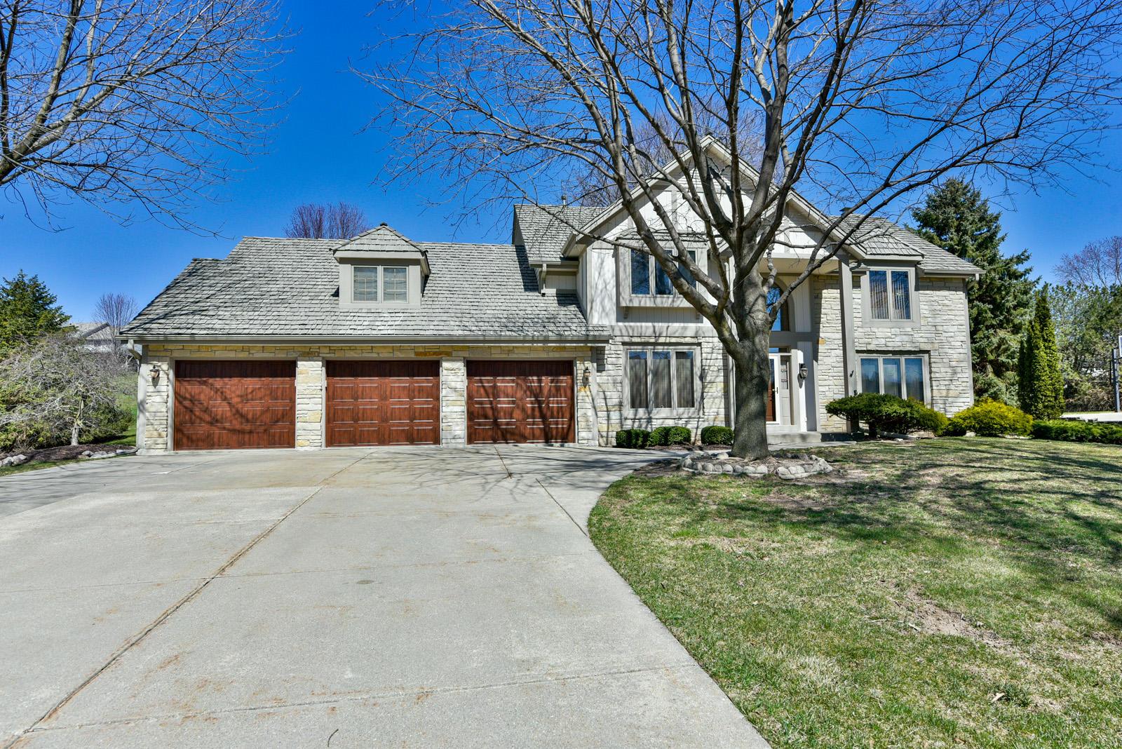 N32W23262 Fieldside Rd, Pewaukee, Wisconsin 53072, 3 Bedrooms Bedrooms, ,3 BathroomsBathrooms,Single-Family,For Sale,Fieldside Rd,1734233