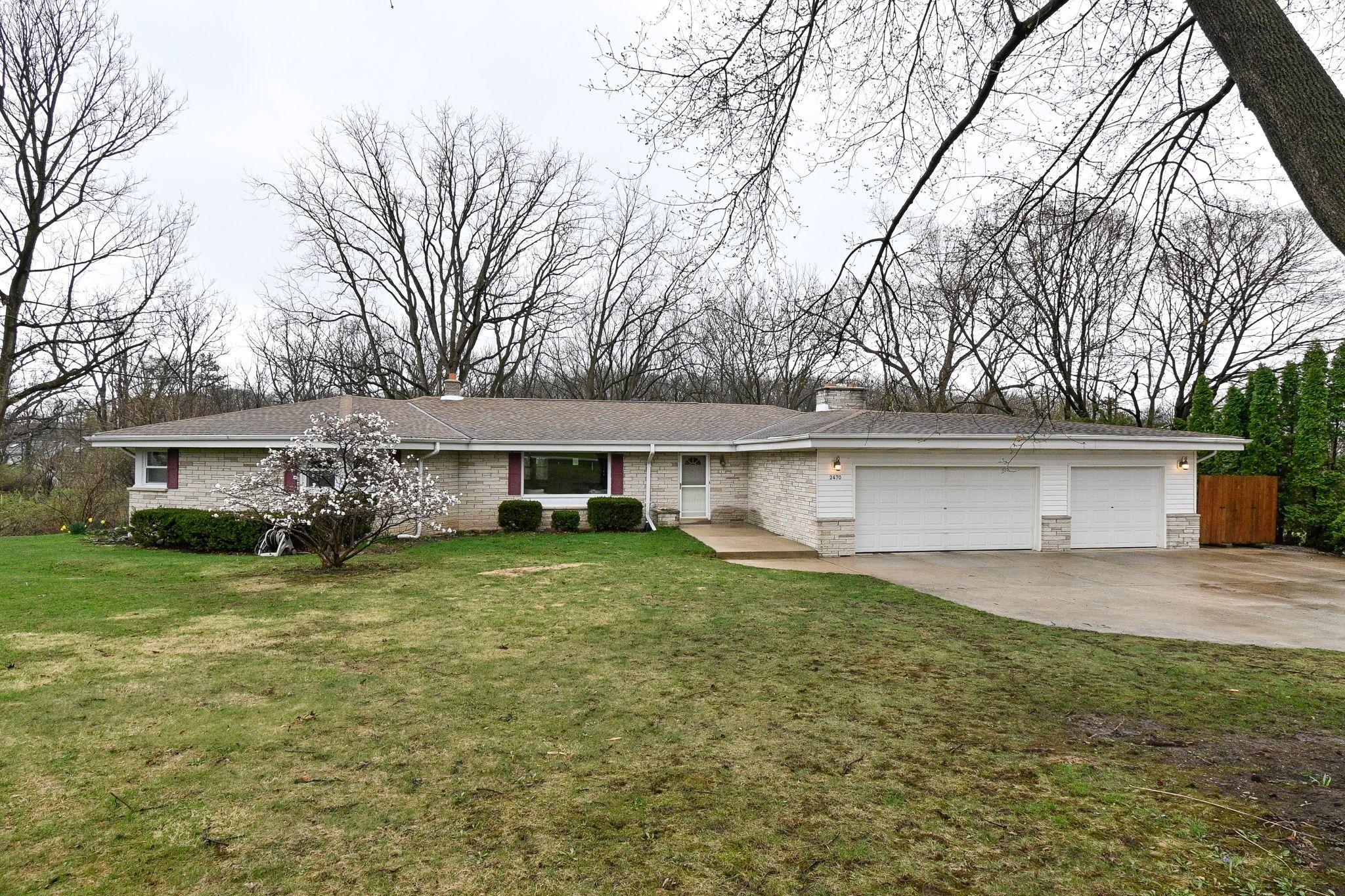 2470 Rockway Ln E, Brookfield, Wisconsin 53005, 4 Bedrooms Bedrooms, ,3 BathroomsBathrooms,Single-Family,For Sale,Rockway Ln E,1734331