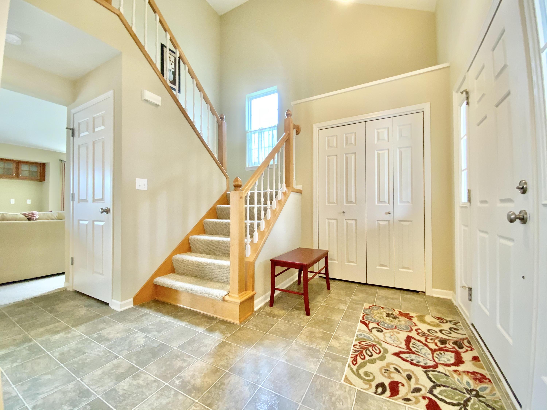 1242 Mockingbird Dr, Oconomowoc, Wisconsin 53066, 3 Bedrooms Bedrooms, ,2 BathroomsBathrooms,Single-Family,For Sale,Mockingbird Dr,1734345