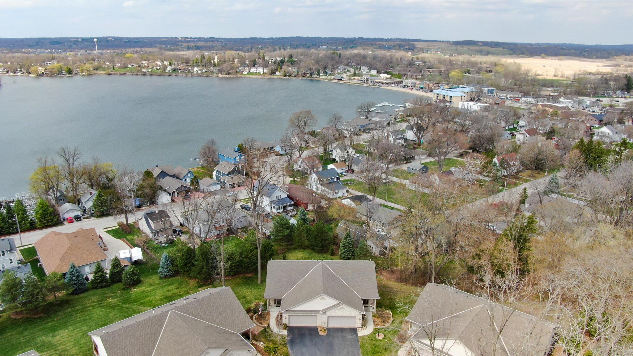 283 Cardinal Ridge Dr, Pewaukee, Wisconsin 53072, 4 Bedrooms Bedrooms, 11 Rooms Rooms,3 BathroomsBathrooms,Condominiums,For Sale,Cardinal Ridge Dr,3,1734382