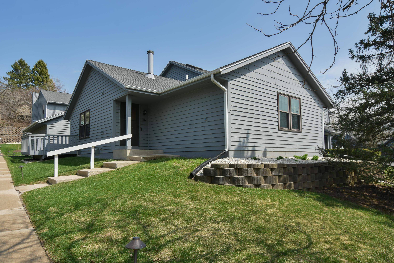 359 Lexington Ct, Pewaukee, Wisconsin 53072, 2 Bedrooms Bedrooms, 5 Rooms Rooms,2 BathroomsBathrooms,Condominiums,For Sale,Lexington Ct,1,1734412