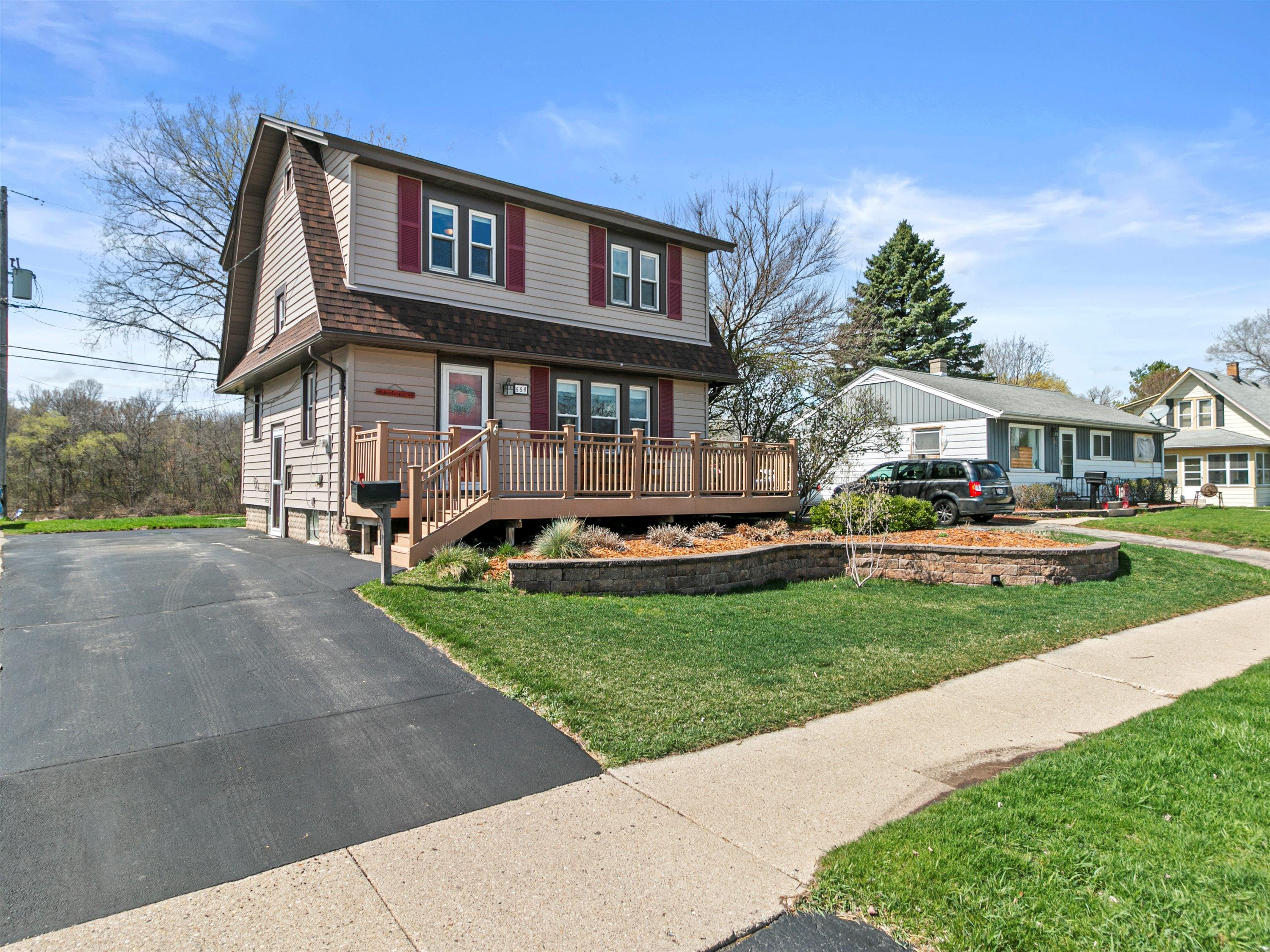 554 Moreland Blvd, Waukesha, Wisconsin 53188, 3 Bedrooms Bedrooms, 6 Rooms Rooms,1 BathroomBathrooms,Single-Family,For Sale,Moreland Blvd,1735375