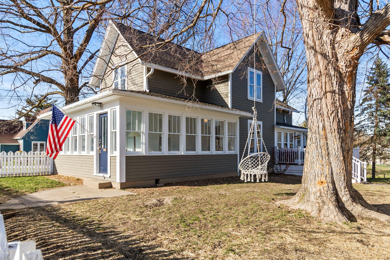 676 Summit Ave, Oconomowoc, Wisconsin 53066, 3 Bedrooms Bedrooms, 7 Rooms Rooms,1 BathroomBathrooms,Single-Family,For Sale,Summit Ave,1734995