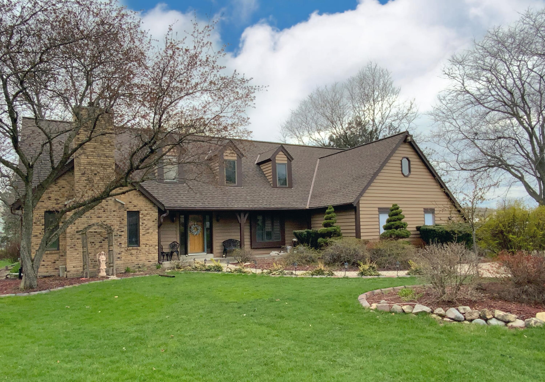 20335 Trenton Ct, Brookfield, Wisconsin 53045, 5 Bedrooms Bedrooms, ,2 BathroomsBathrooms,Single-Family,For Sale,Trenton Ct,1735235