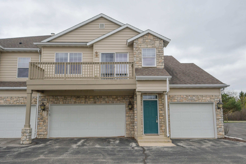 N16W26559 Meadowgrass Cir, Pewaukee, Wisconsin 53072, 2 Bedrooms Bedrooms, 5 Rooms Rooms,1 BathroomBathrooms,Condominiums,For Sale,Meadowgrass Cir,2,1735178