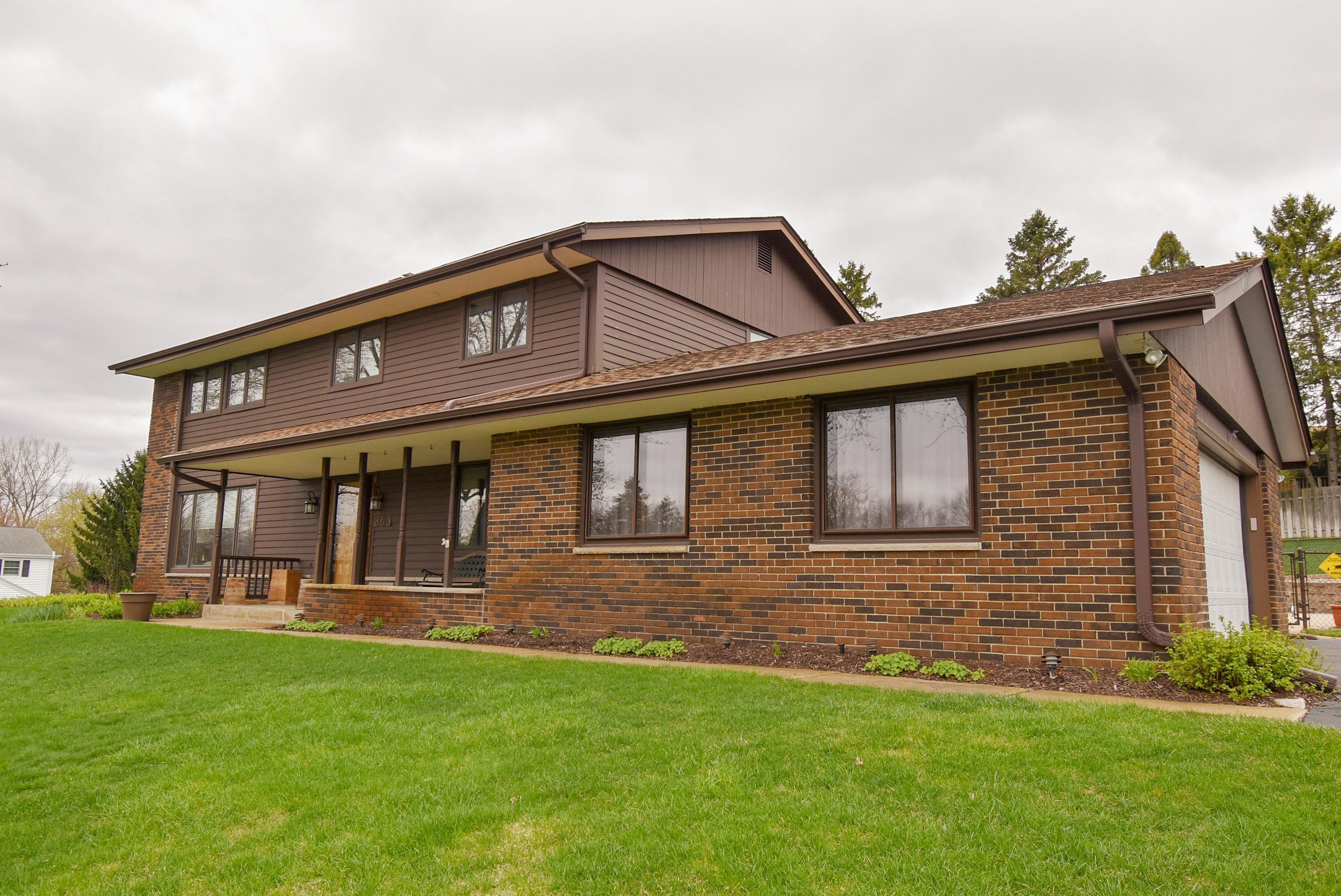 865 Russett Dr, Brookfield, Wisconsin 53045, 4 Bedrooms Bedrooms, 9 Rooms Rooms,2 BathroomsBathrooms,Single-Family,For Sale,Russett Dr,1735411