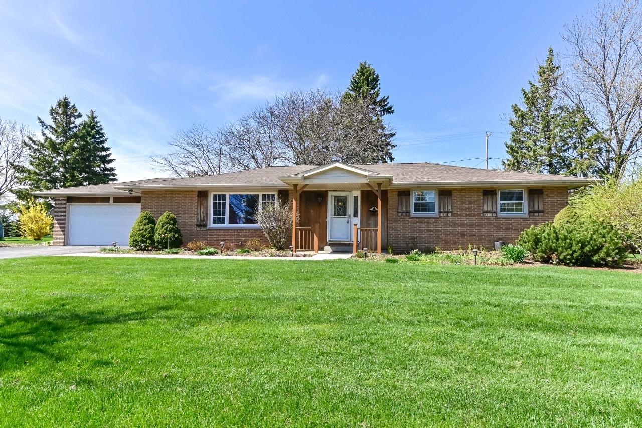 525 Hillcrest Dr, Brookfield, Wisconsin 53186, 3 Bedrooms Bedrooms, 7 Rooms Rooms,1 BathroomBathrooms,Single-Family,For Sale,Hillcrest Dr,1735551
