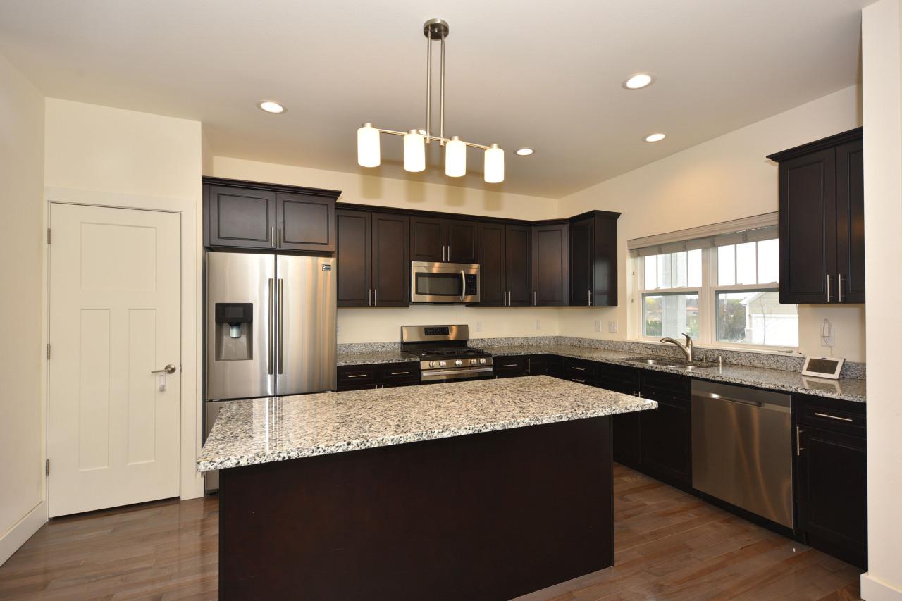 4030 Wyndham Pointe Cir, Brookfield, Wisconsin 53005, 3 Bedrooms Bedrooms, ,2 BathroomsBathrooms,Condominiums,For Sale,Wyndham Pointe Cir,1,1735155