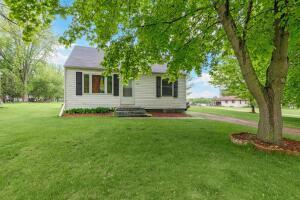 5713 Finnegan Lake Rd, Gillett, WI 54124