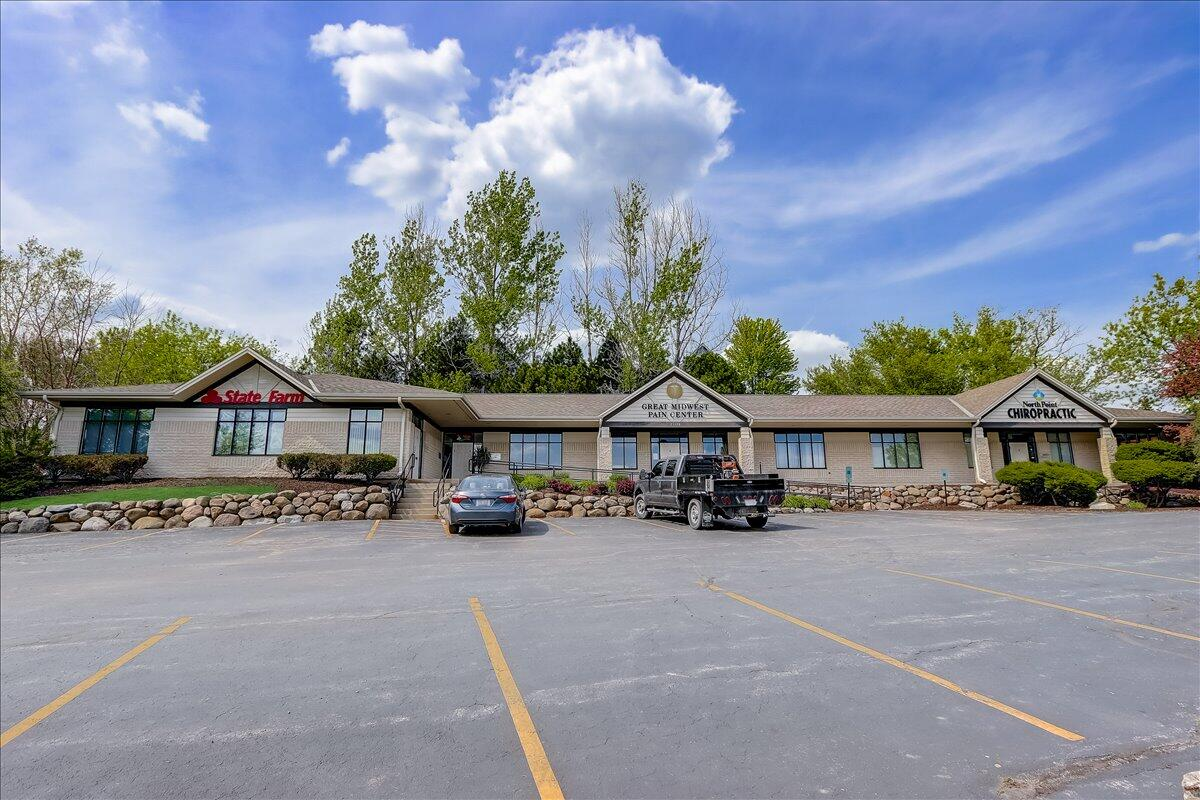 Photo of 21150 W Capitol Dr, Brookfield, WI 53072