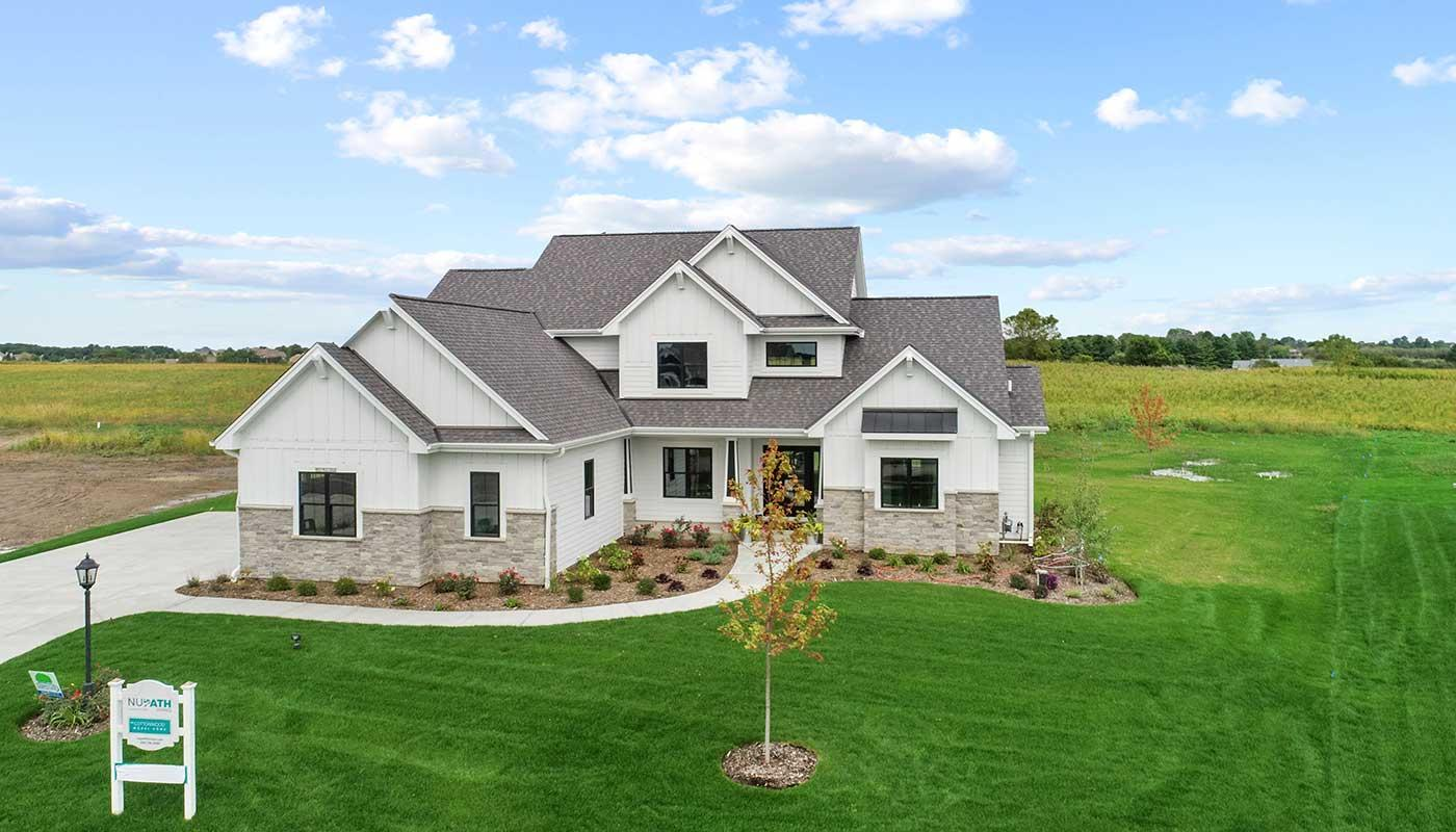 243 Four Winds Ct, Hartland, Wisconsin 53029, 5 Bedrooms Bedrooms, 11 Rooms Rooms,3 BathroomsBathrooms,Single-Family,For Sale,Four Winds Ct,1743298