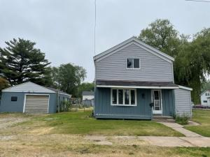 323 Cushman St, Marinette, WI 54143