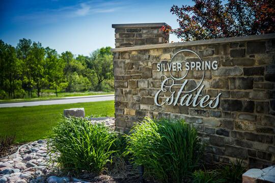 N62W21722 Augusta Pkwy, Menomonee Falls, Wisconsin 53051, 2 Bedrooms Bedrooms, 5 Rooms Rooms,2 BathroomsBathrooms,Condominiums,For Sale,Augusta Pkwy,1,1746095