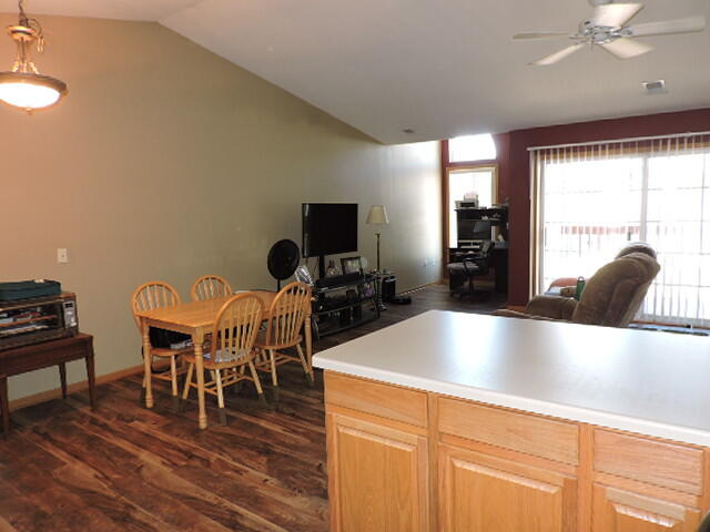 1612 Commonwealth Dr, Fort Atkinson, Wisconsin 53538, 3 Bedrooms Bedrooms, ,2 BathroomsBathrooms,Condominiums,For Sale,Commonwealth Dr,2,1746162