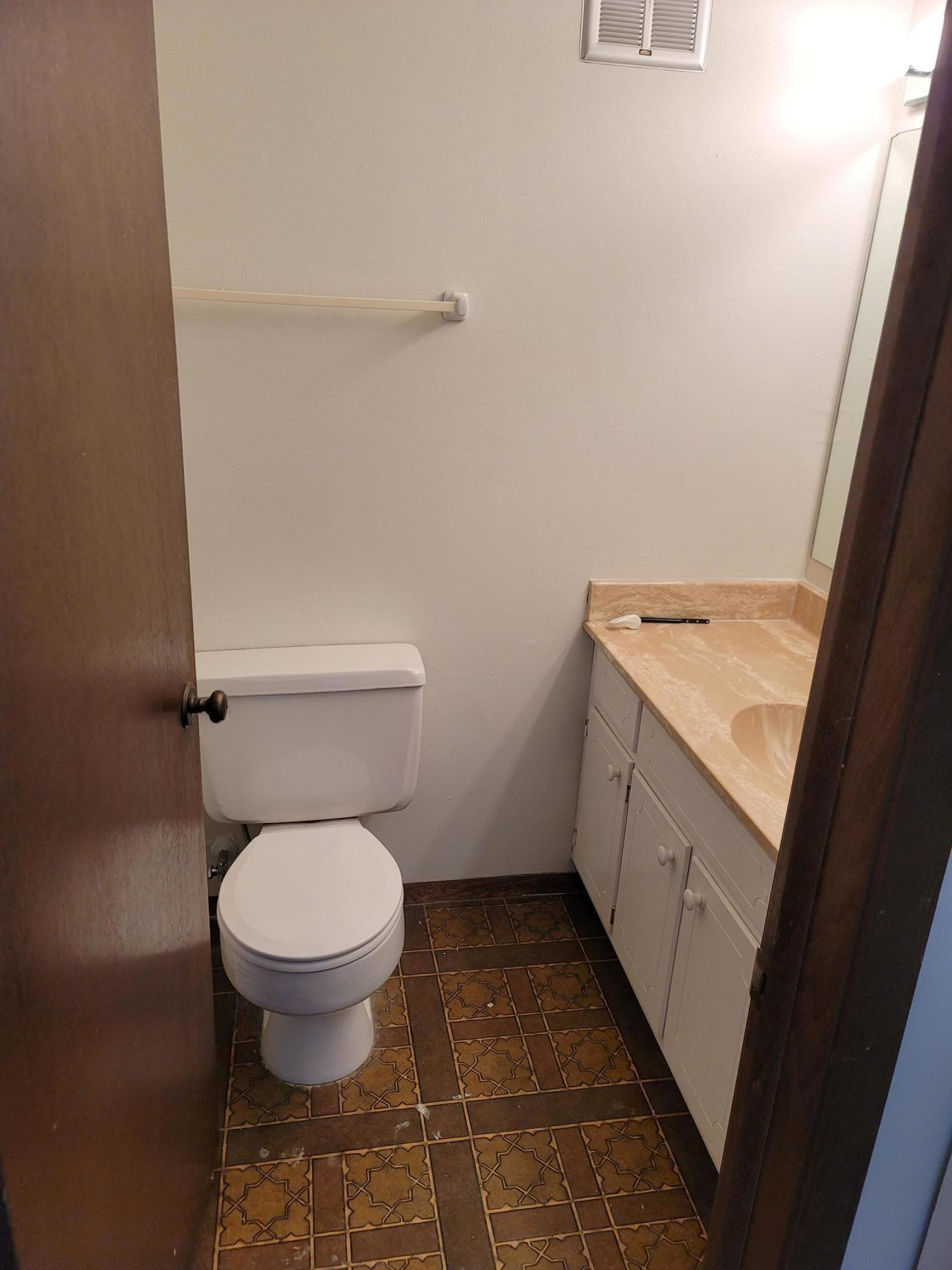 4155 Rivers Edge Cir, Brown Deer, Wisconsin 53209, 2 Bedrooms Bedrooms, ,1 BathroomBathrooms,Condominiums,For Sale,Rivers Edge Cir,2,1746193
