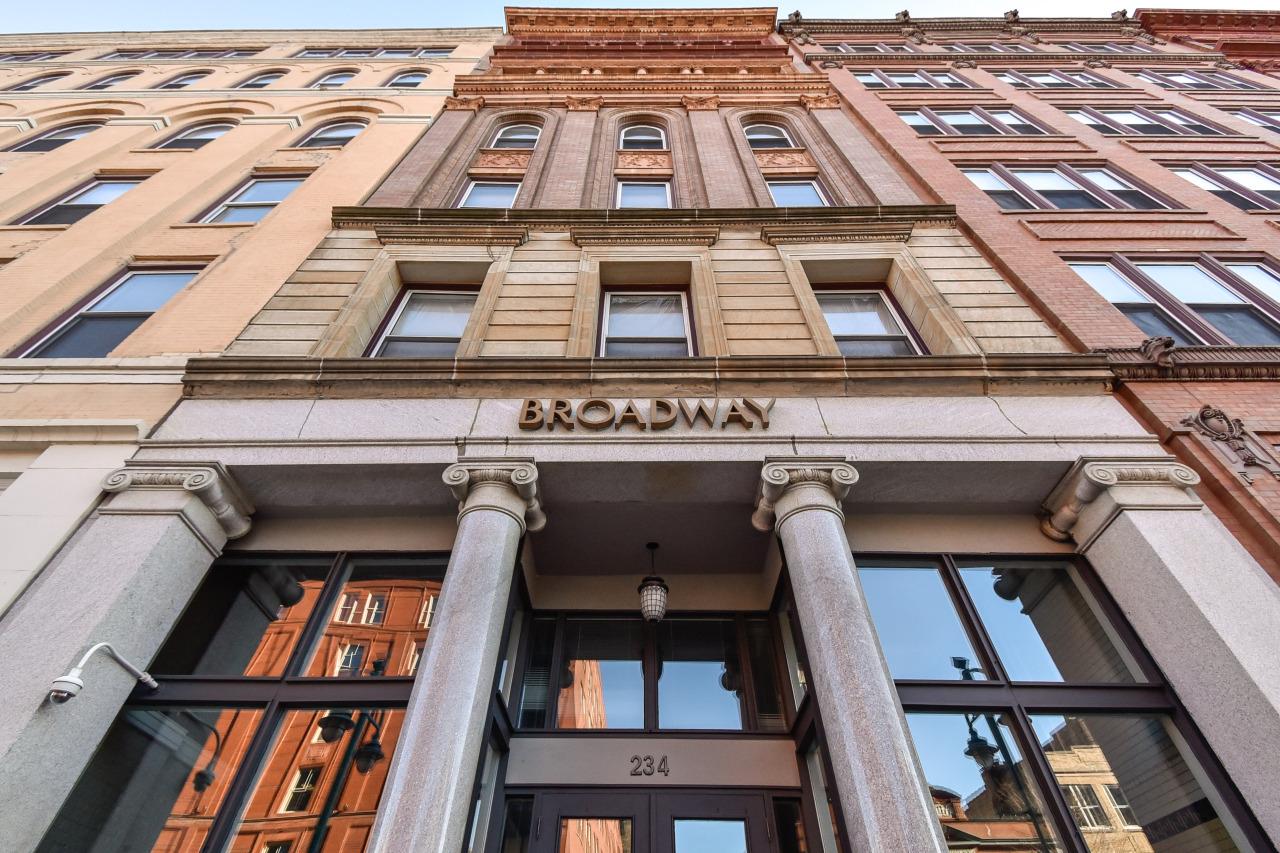 234 Broadway, Milwaukee, Wisconsin 53202, 1 Bedroom Bedrooms, 4 Rooms Rooms,1 BathroomBathrooms,Condominiums,For Sale,Broadway,4,1746219