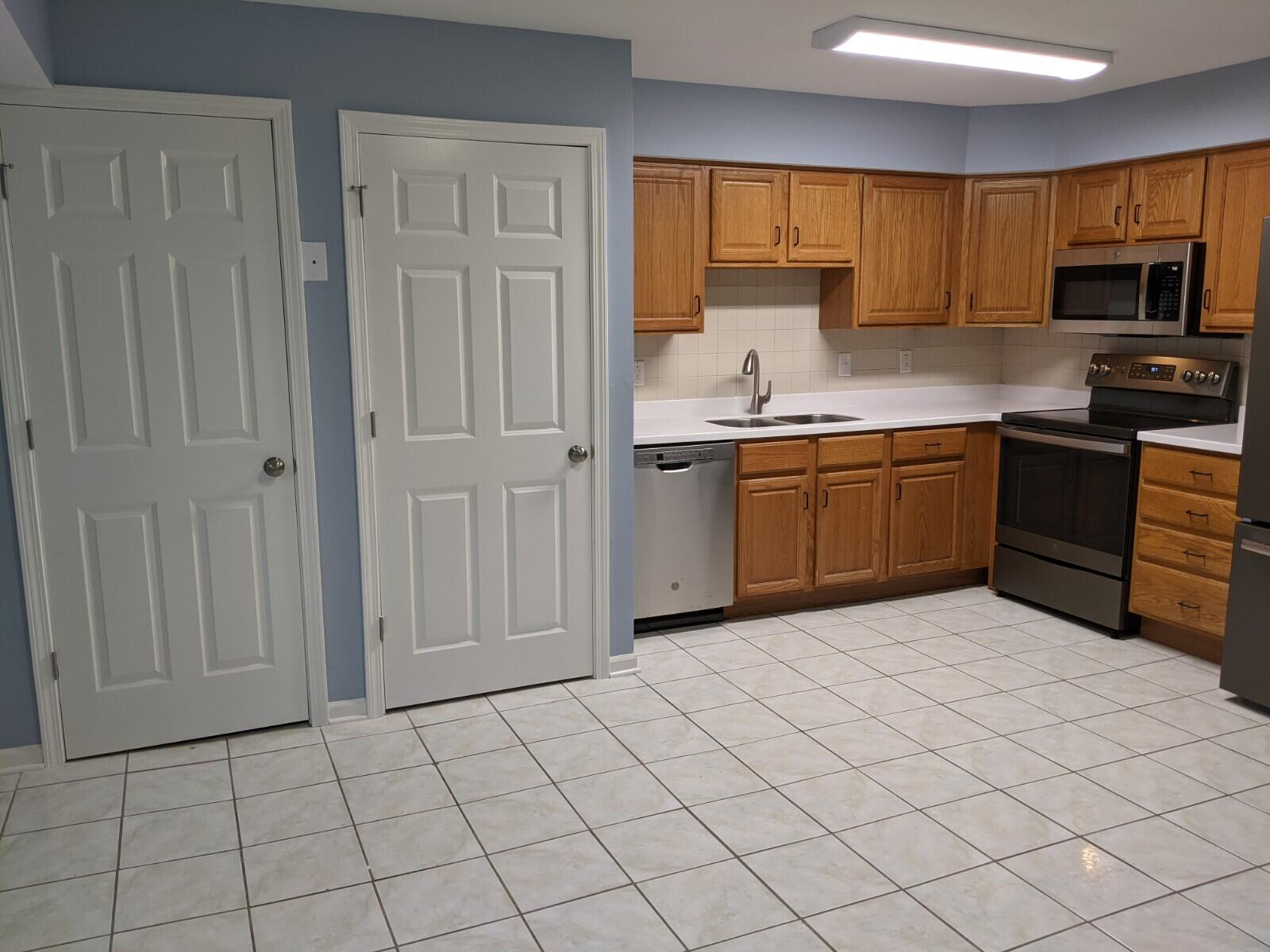 90 Potawatomi Rd, Williams Bay, Wisconsin 53191, 2 Bedrooms Bedrooms, 4 Rooms Rooms,1 BathroomBathrooms,Condominiums,For Sale,Potawatomi Rd,1,1746335