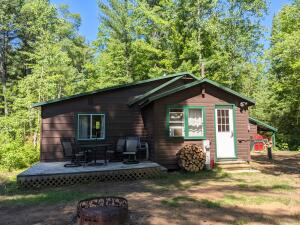 N12195 Tower Rd, Silver Cliff, WI 54104