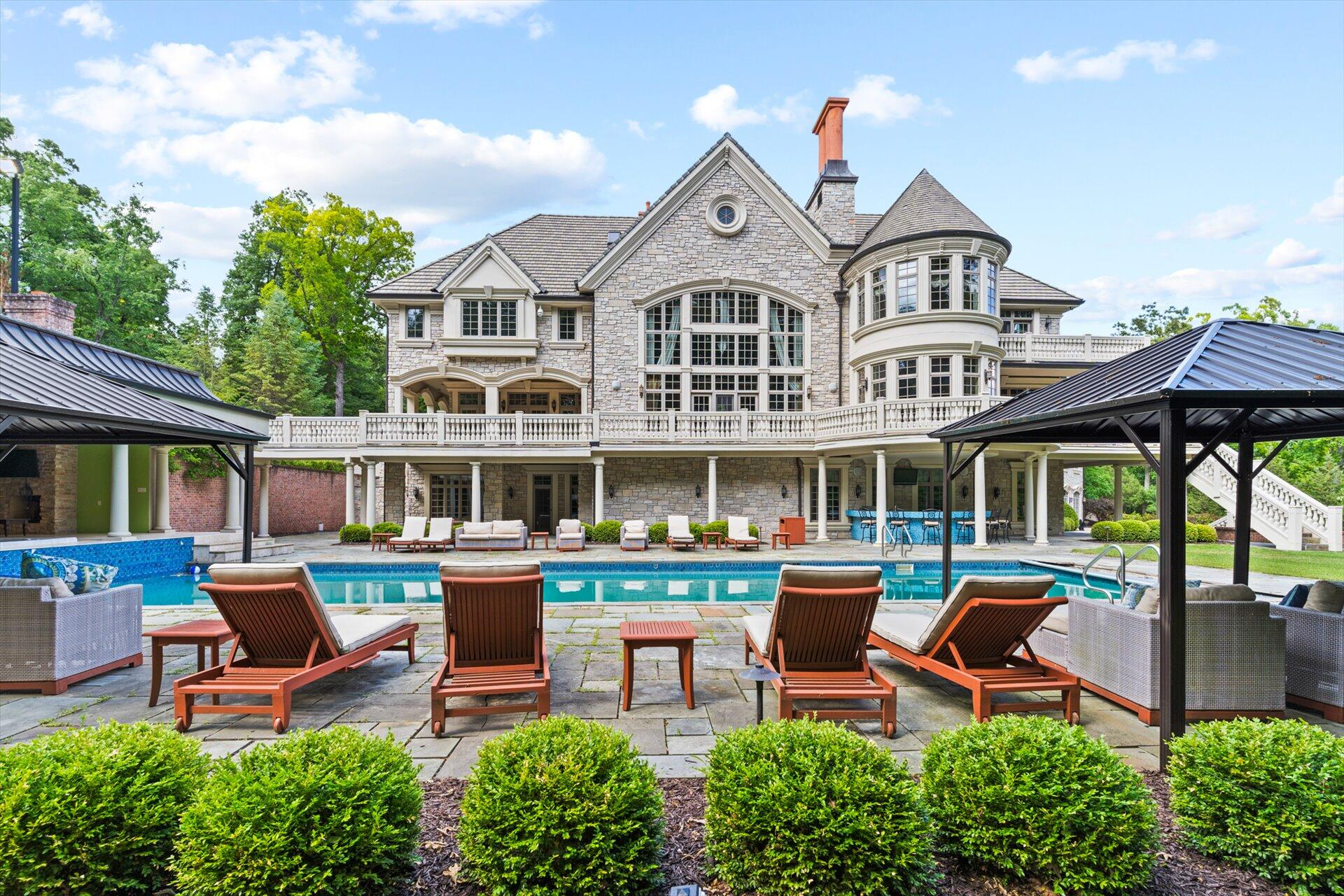 N27W30401 Grand Haven Dr, Delafield, Wisconsin 53072, 9 Bedrooms Bedrooms, 27 Rooms Rooms,7 BathroomsBathrooms,Single-Family,For Sale,Grand Haven Dr,1748930