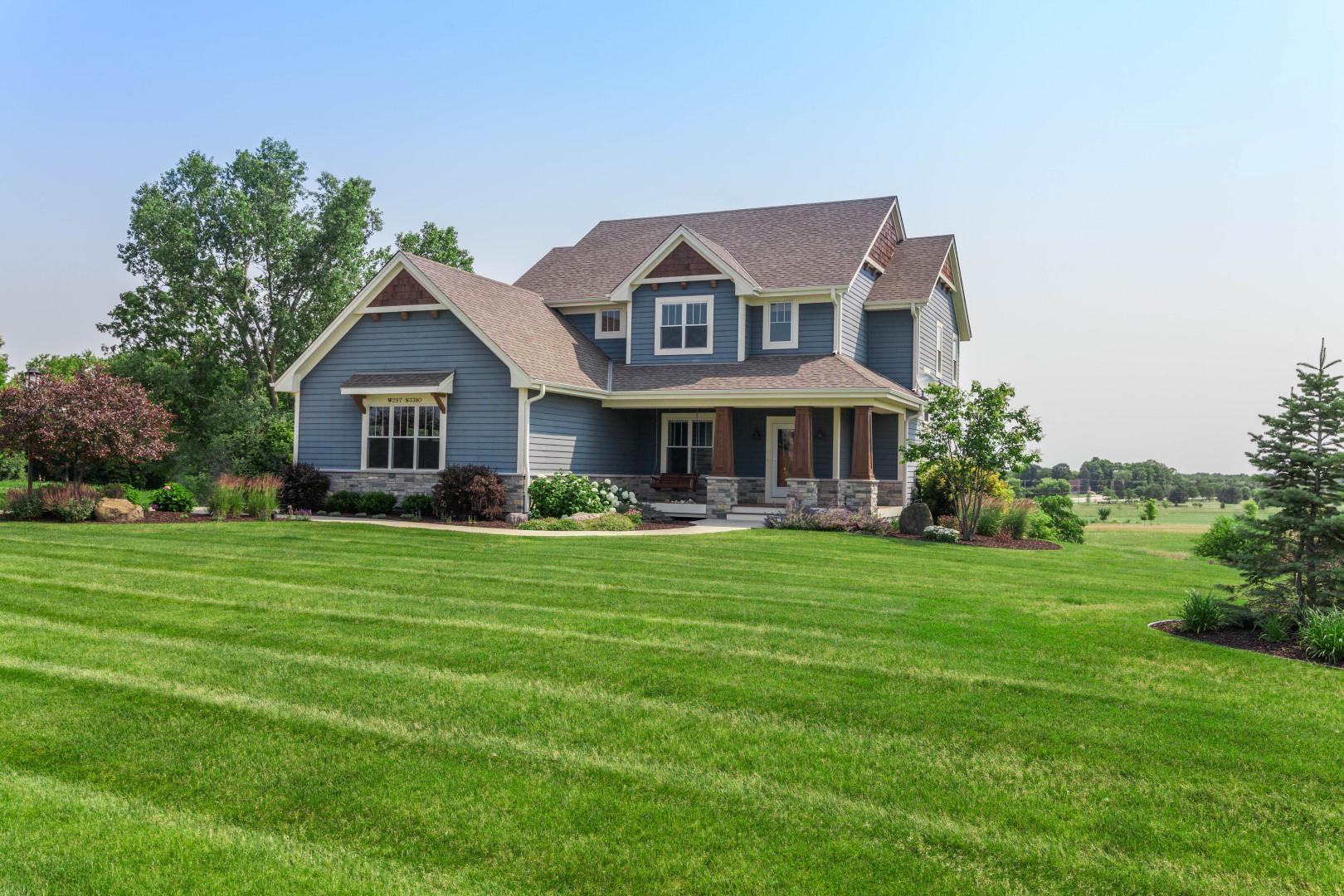 W297N3380 Woodridge Cir, Delafield, Wisconsin 53072, 5 Bedrooms Bedrooms, 11 Rooms Rooms,3 BathroomsBathrooms,Single-Family,For Sale,Woodridge Cir,1751509