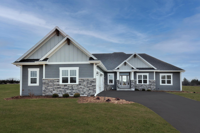 104 Sycamore Ct, Hartland, Wisconsin 53029, 4 Bedrooms Bedrooms, 10 Rooms Rooms,3 BathroomsBathrooms,Single-Family,For Sale,Sycamore Ct,1752033