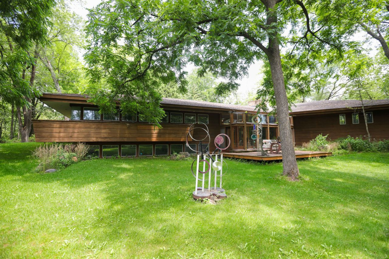 W314N847 Cambridge Ct, Delafield, Wisconsin 53018, 3 Bedrooms Bedrooms, ,3 BathroomsBathrooms,Single-Family,For Sale,Cambridge Ct,1750767