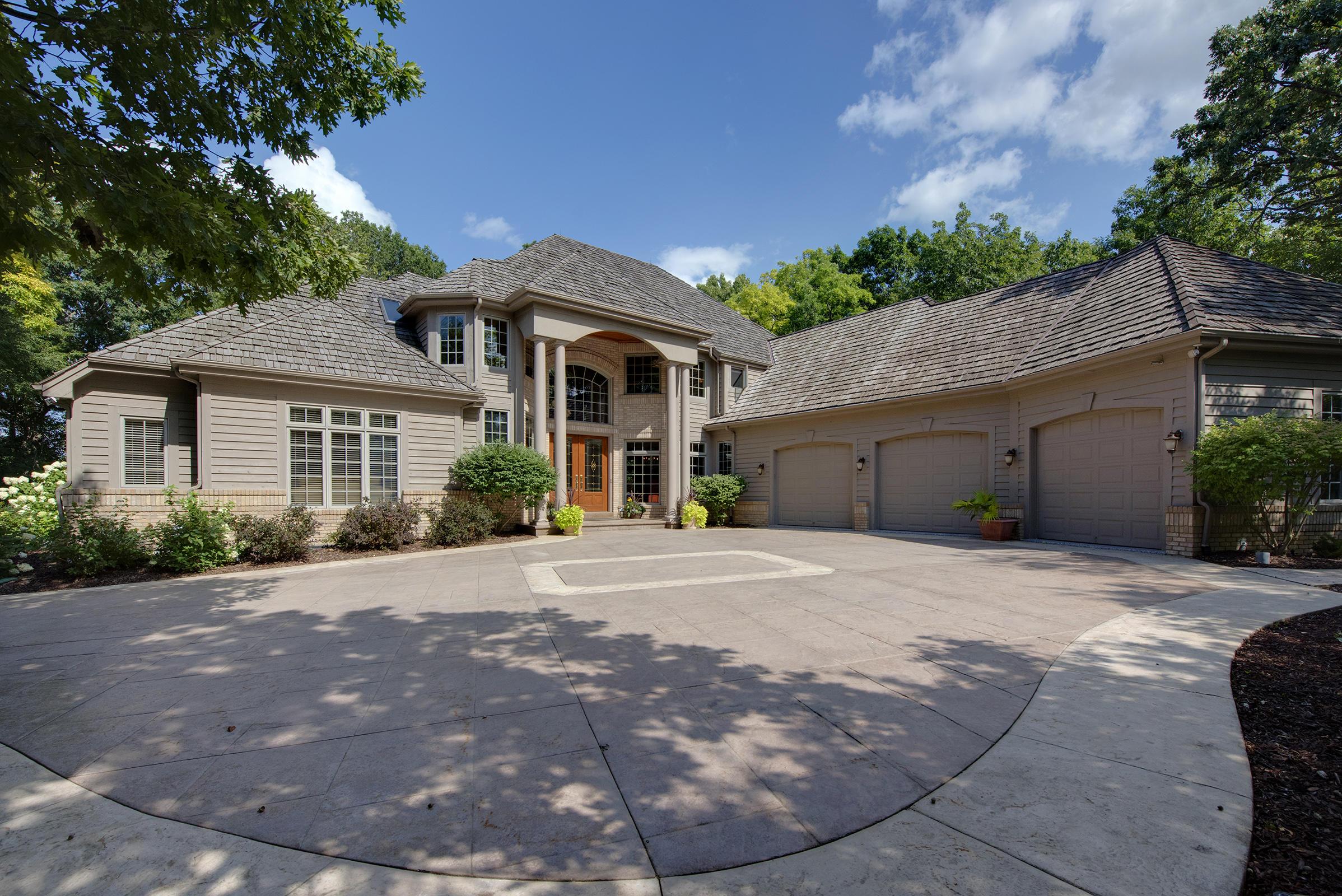 W309N1810 Greywood Ln, Delafield, Wisconsin 53018, 4 Bedrooms Bedrooms, 14 Rooms Rooms,5 BathroomsBathrooms,Single-Family,For Sale,Greywood Ln,1751454