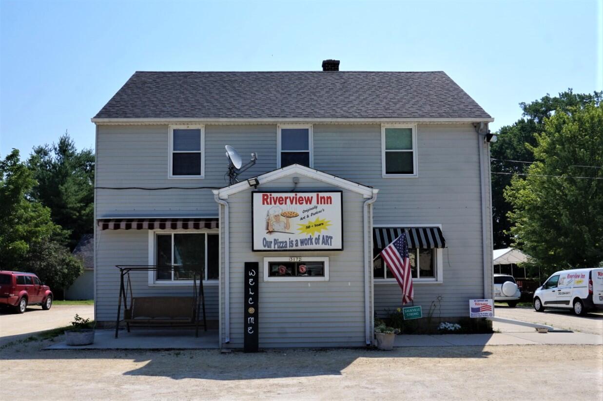 Photo of 3172 N Riverside Dr, Saukville, WI 53080