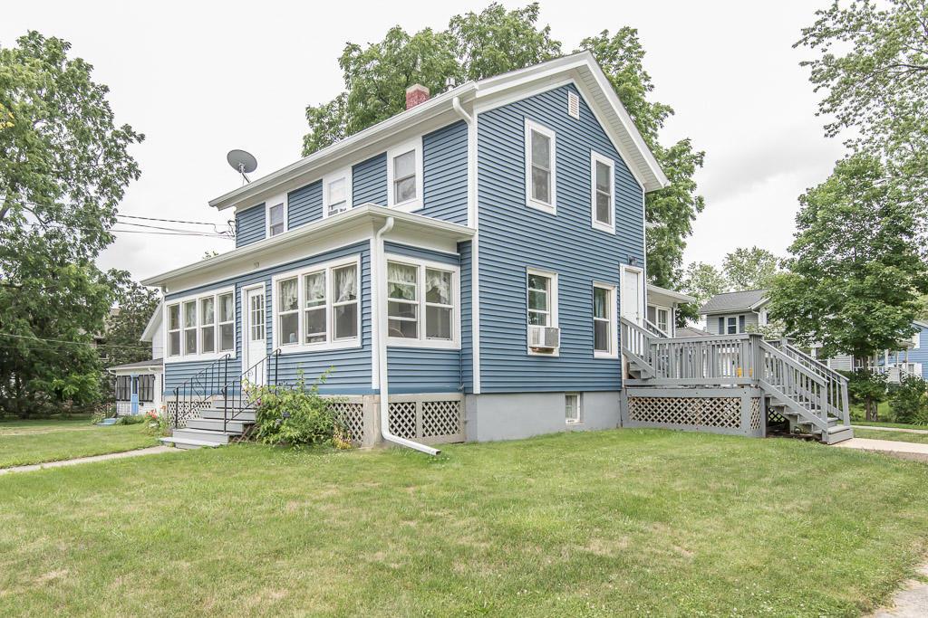 702 Silver Lake St, Oconomowoc, Wisconsin 53066, 2 Bedrooms Bedrooms, 4 Rooms Rooms,1 BathroomBathrooms,Two-Family,For Sale,Silver Lake St,1,1752838