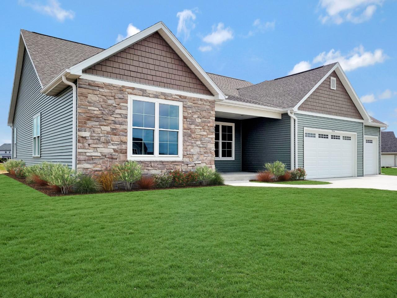1346 Goldenrod Way, Oconomowoc, Wisconsin 53066, 3 Bedrooms Bedrooms, ,2 BathroomsBathrooms,Single-Family,For Sale,Goldenrod Way,1753057
