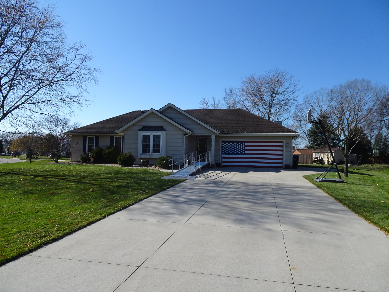 W227N2677 Aspenwood Ln, Pewaukee, Wisconsin 53186, 3 Bedrooms Bedrooms, ,2 BathroomsBathrooms,Single-Family,For Sale,Aspenwood Ln,1753151