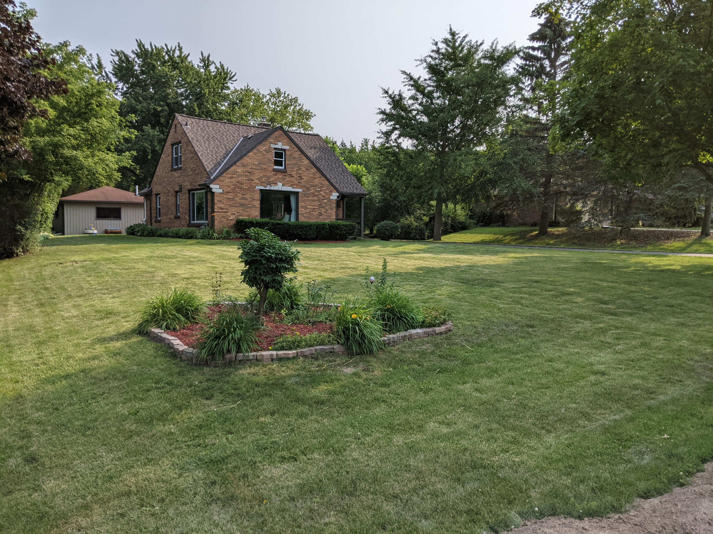 16965 Ridgeview Dr, Brookfield, Wisconsin 53005, 3 Bedrooms Bedrooms, ,1 BathroomBathrooms,Single-Family,For Sale,Ridgeview Dr,1753712