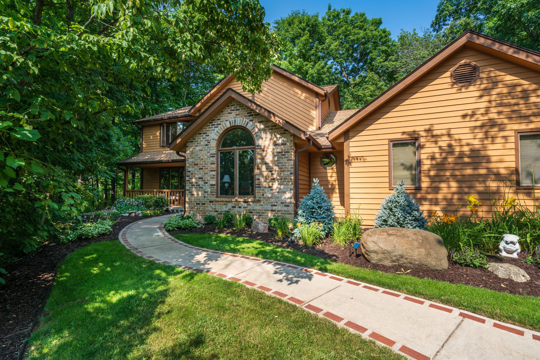 940 Satinwood Ct, Brookfield, Wisconsin 53005, 4 Bedrooms Bedrooms, 10 Rooms Rooms,2 BathroomsBathrooms,Single-Family,For Sale,Satinwood Ct,1753476