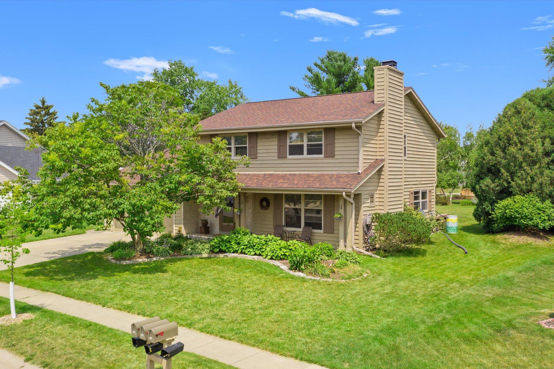 1131 Whittier Ln, Oconomowoc, Wisconsin 53066, 3 Bedrooms Bedrooms, 9 Rooms Rooms,2 BathroomsBathrooms,Single-Family,For Sale,Whittier Ln,1753943
