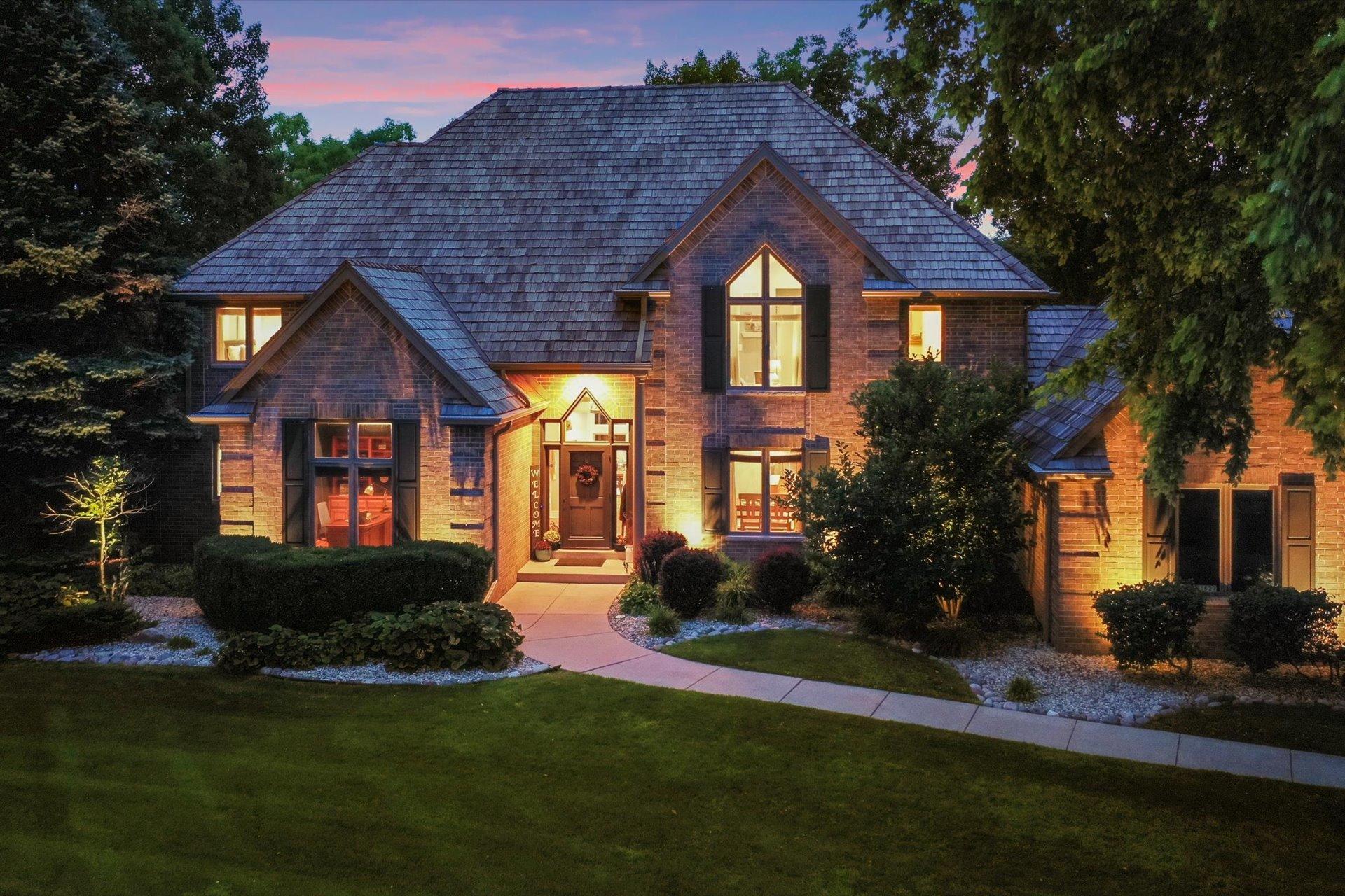 W307N1627 Shadowood Pt, Delafield, Wisconsin 53018, 4 Bedrooms Bedrooms, 13 Rooms Rooms,4 BathroomsBathrooms,Single-Family,For Sale,Shadowood Pt,1754406