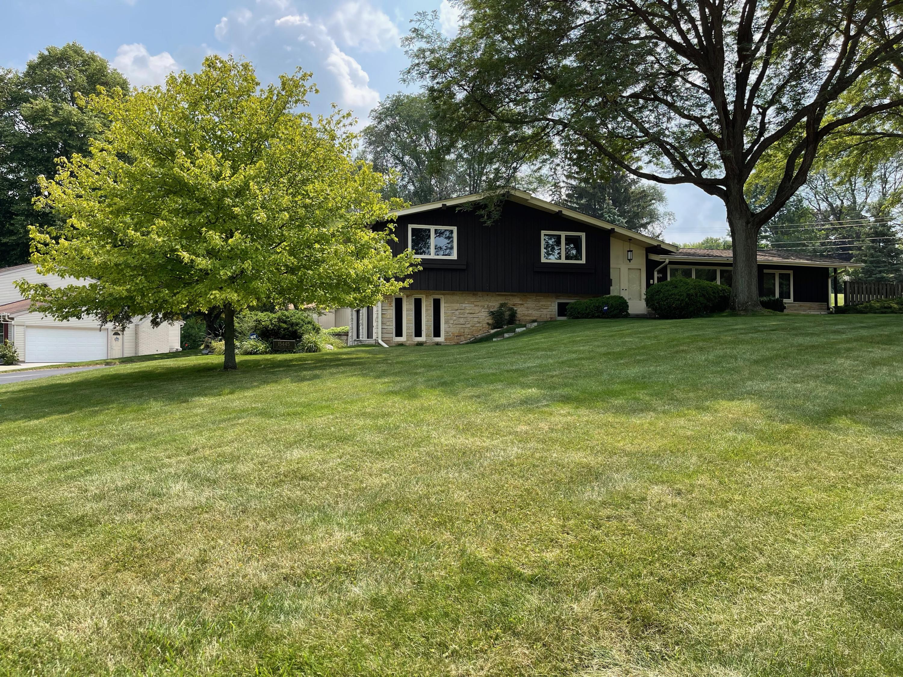 15445 St Therese Blvd, Brookfield, Wisconsin 53005, 3 Bedrooms Bedrooms, 7 Rooms Rooms,2 BathroomsBathrooms,Single-Family,For Sale,St Therese Blvd,1754328