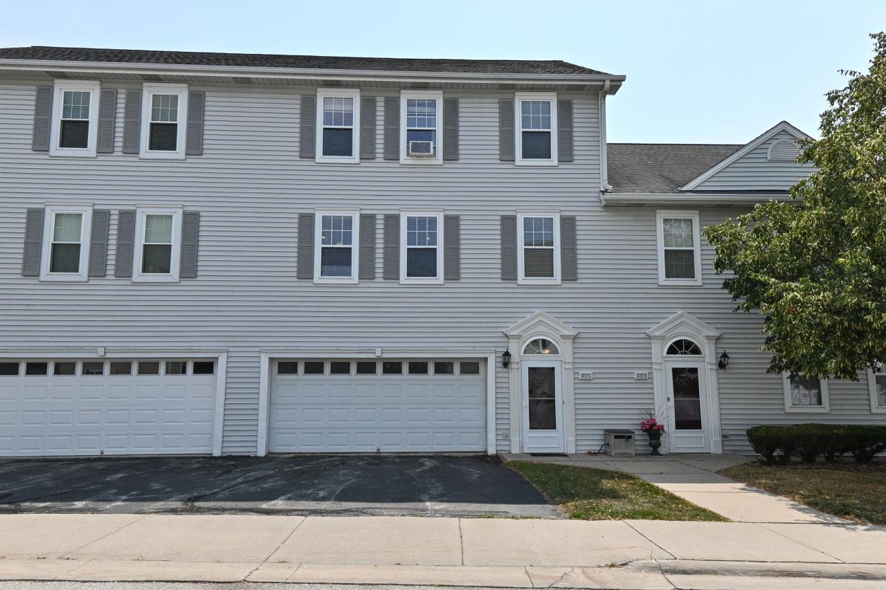 1217 Woodbury Common, Waukesha, Wisconsin 53189, 3 Bedrooms Bedrooms, 6 Rooms Rooms,2 BathroomsBathrooms,Condominiums,For Sale,Woodbury Common,1,1754449