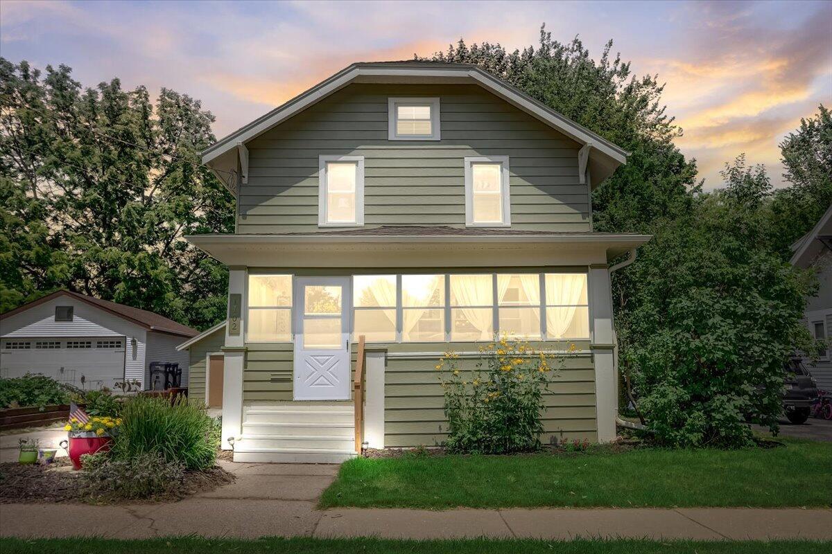 1102 Linden St, Waukesha, Wisconsin 53186, 3 Bedrooms Bedrooms, 7 Rooms Rooms,1 BathroomBathrooms,Single-Family,For Sale,Linden St,1754667