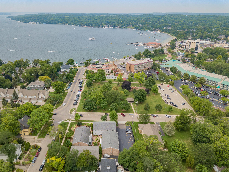 425 Baker St, Lake Geneva, Wisconsin 53147, 2 Bedrooms Bedrooms, ,1 BathroomBathrooms,Condominiums,For Sale,Baker St,2,1754688