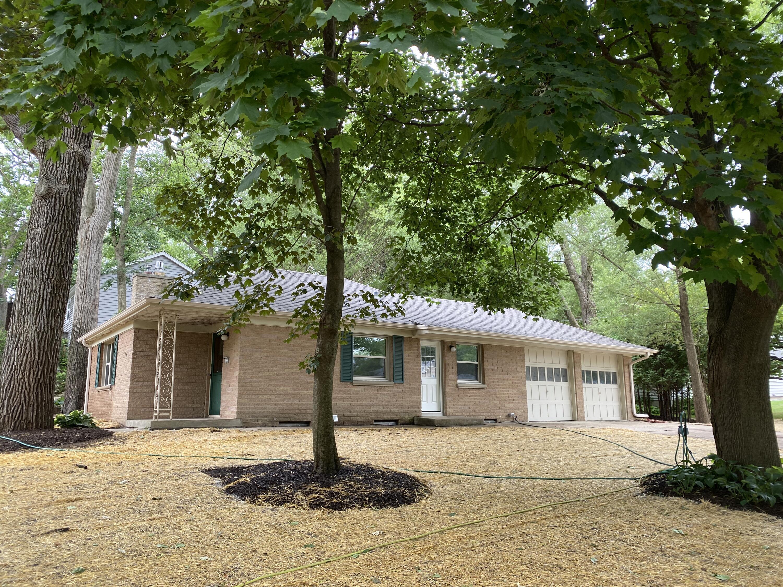 1255 Parkmoor Dr, Brookfield, Wisconsin 53005, 2 Bedrooms Bedrooms, 5 Rooms Rooms,1 BathroomBathrooms,Single-Family,For Sale,Parkmoor Dr,1755106