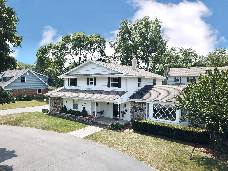 2395 Tilton Ln, Brookfield, Wisconsin 53045, 4 Bedrooms Bedrooms, ,2 BathroomsBathrooms,Single-Family,For Sale,Tilton Ln,1754944