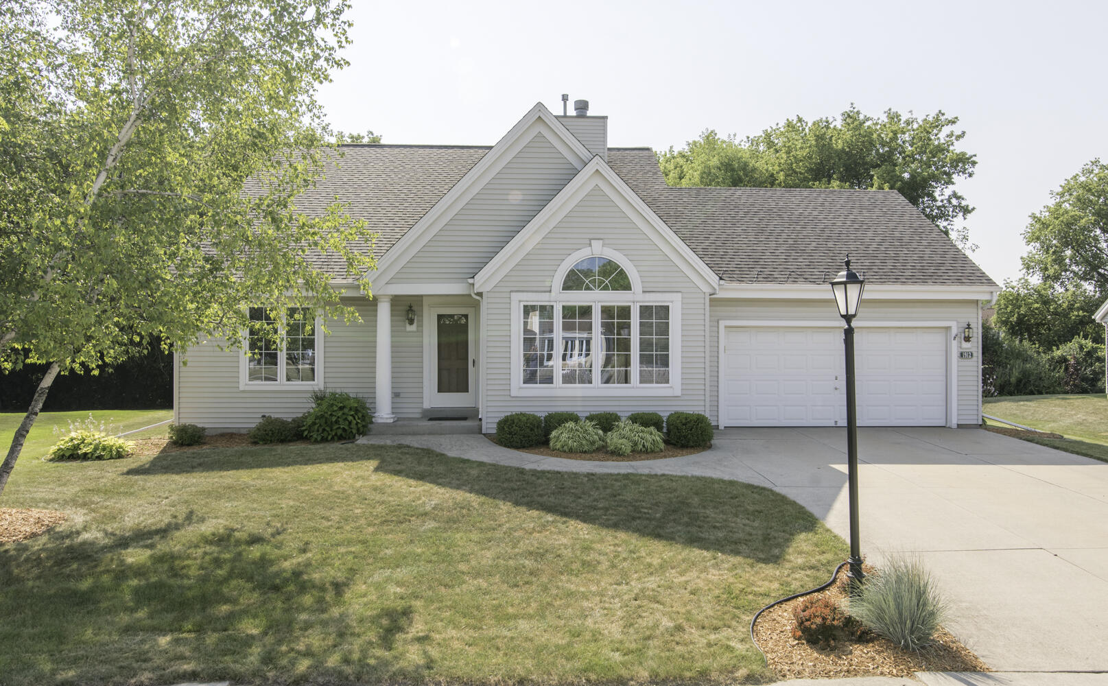 1912 Wexford Ln, Waukesha, Wisconsin 53186, 3 Bedrooms Bedrooms, 5 Rooms Rooms,2 BathroomsBathrooms,Single-Family,For Sale,Wexford Ln,1754885