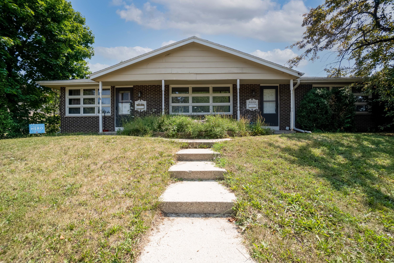 2021 Coronado St 2023, Waukesha, Wisconsin 53189, 2 Bedrooms Bedrooms, 5 Rooms Rooms,1 BathroomBathrooms,Two-Family,For Sale,Coronado St 2023,1,1754984