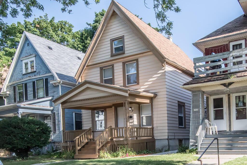 3910 Walnut St, Milwaukee, Wisconsin 53208, 4 Bedrooms Bedrooms, 7 Rooms Rooms,1 BathroomBathrooms,Single-Family,For Sale,Walnut St,1755513