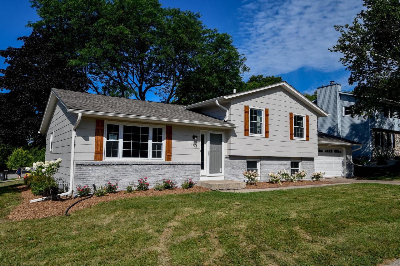 930 Grandview Blvd, Waukesha, Wisconsin 53188, 3 Bedrooms Bedrooms, ,2 BathroomsBathrooms,Single-Family,For Sale,Grandview Blvd,1755429