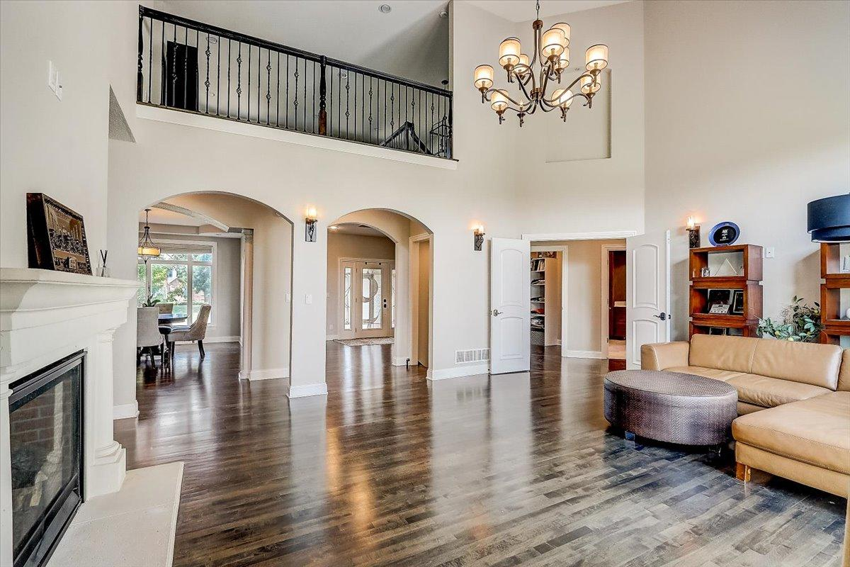 1495 W Hidden River Dr, Mequon, WI 53092