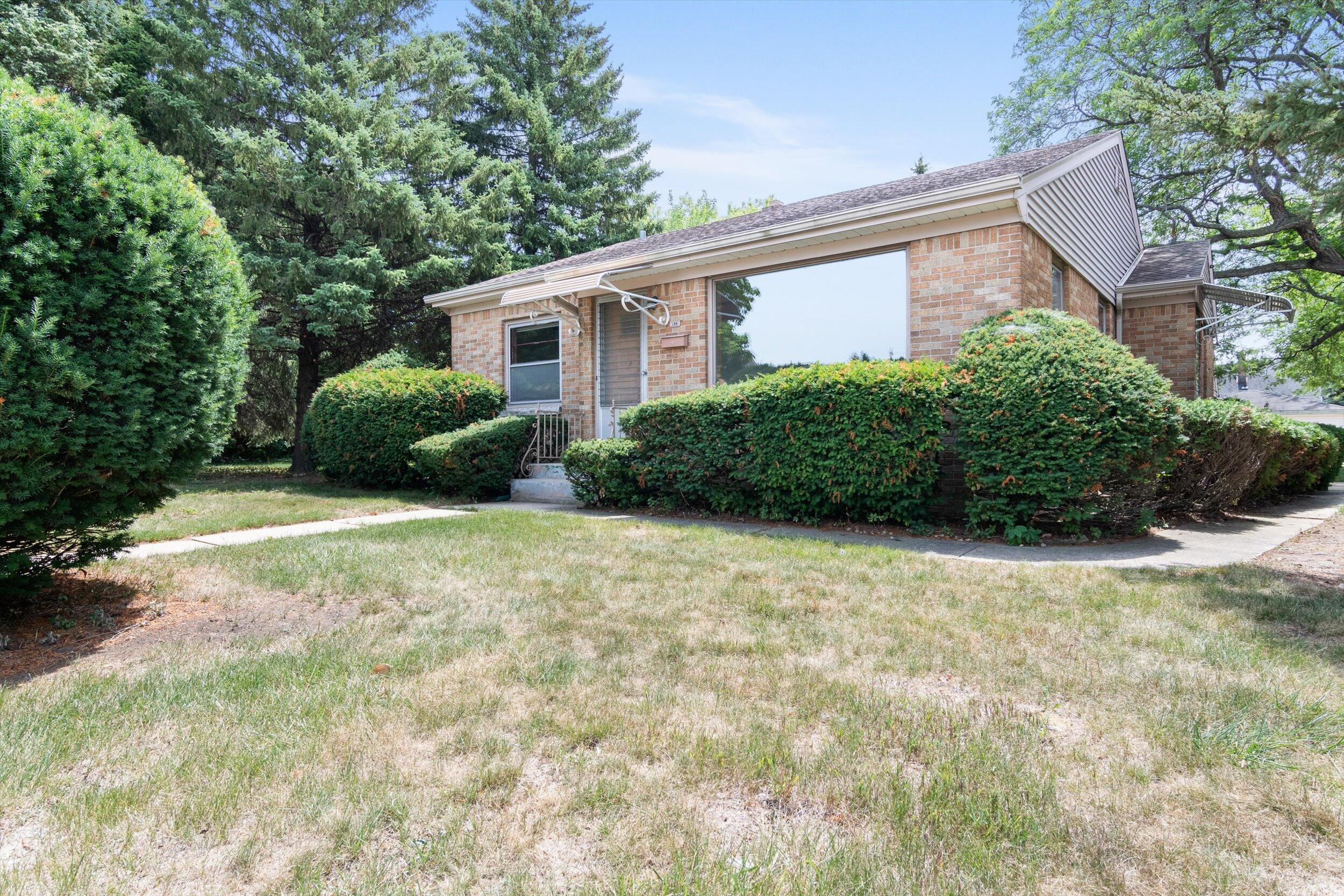 1523 Menonomee Ave, South Milwaukee, Wisconsin 53172, 2 Bedrooms Bedrooms, 4 Rooms Rooms,2 BathroomsBathrooms,Single-Family,For Sale,Menonomee Ave,1755557