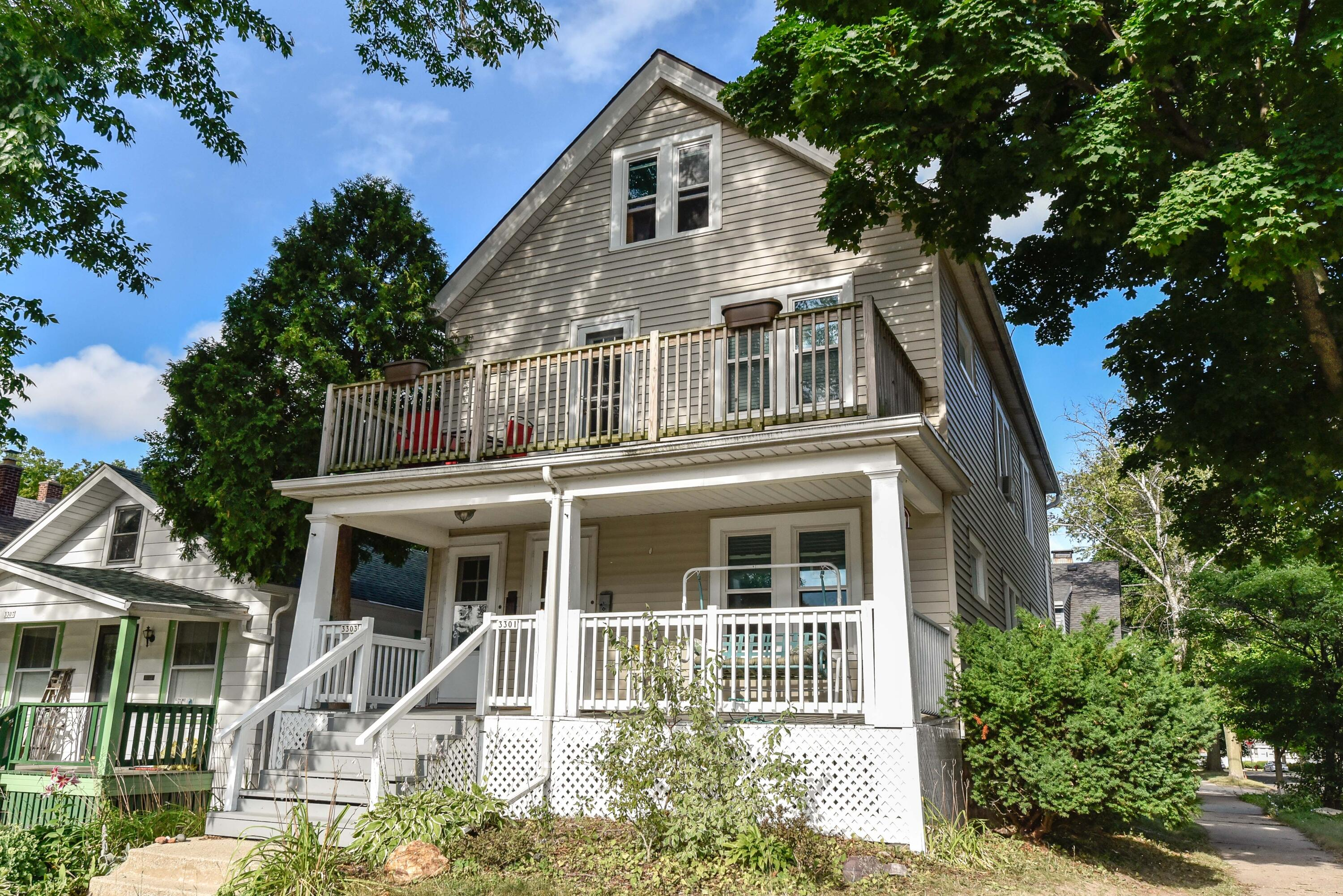 3301 New York, Milwaukee, Wisconsin 53207, 2 Bedrooms Bedrooms, 5 Rooms Rooms,1 BathroomBathrooms,Two-Family,For Sale,New York,1,1755594